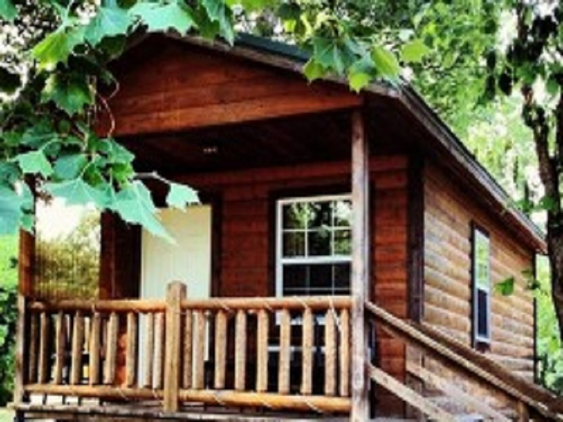 Arrowhead Campground Log Cabin with deck Eminence MO 800 x 600
